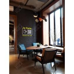 Projection QR Code lumineux pour application smartphone dans bar restaurant club