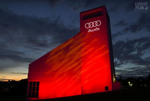 Enseigne lumineuse LED projetée par cher via projecteur gobo extérieur